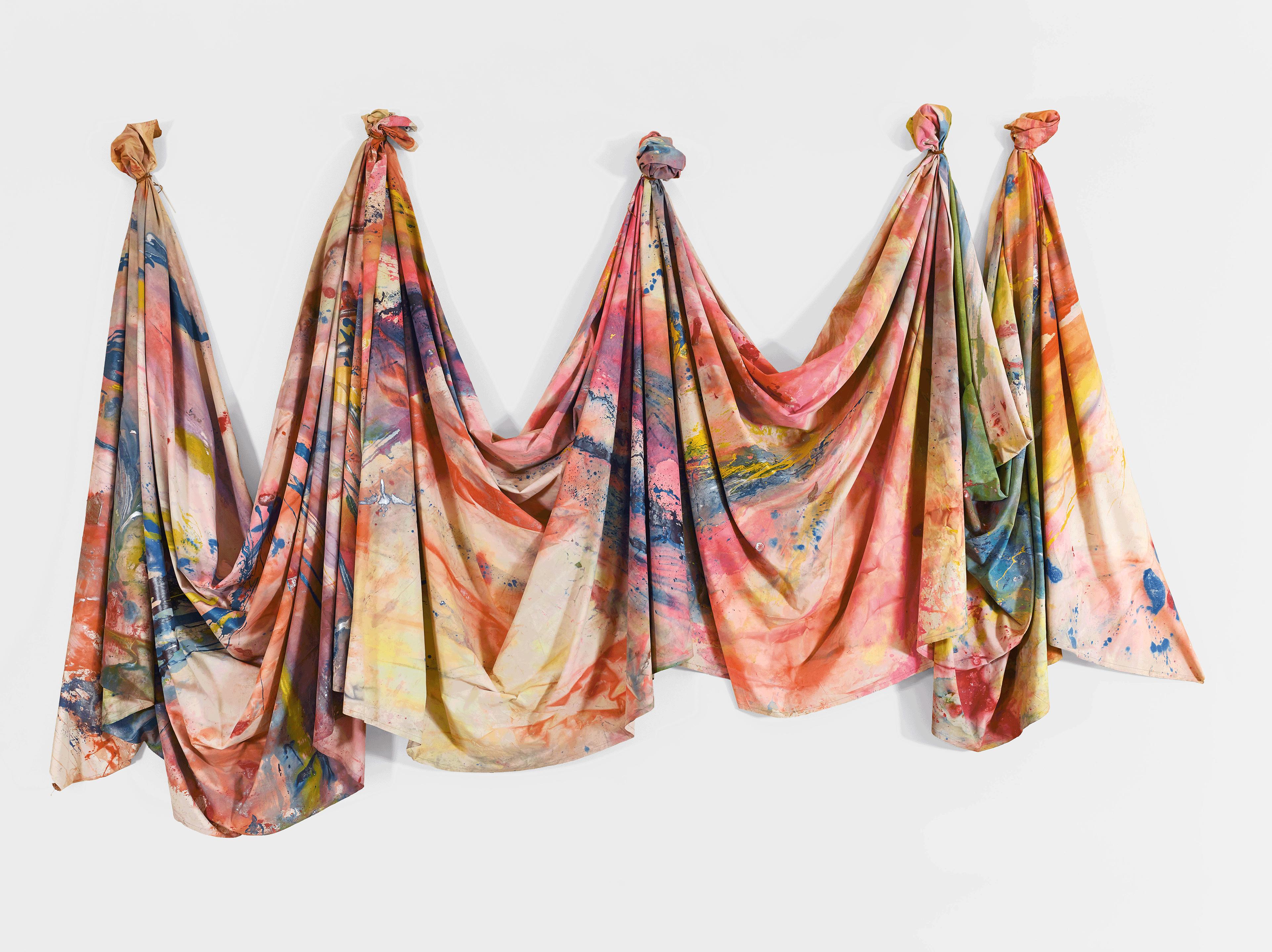 Carousel Change von Sam Gilliam, 1970, Tate. Promised gift of Pamela J. Joyner and Alfred J. Giuffrida (Tate Americas Foundation), Image courtesy David Kordansky Gallery