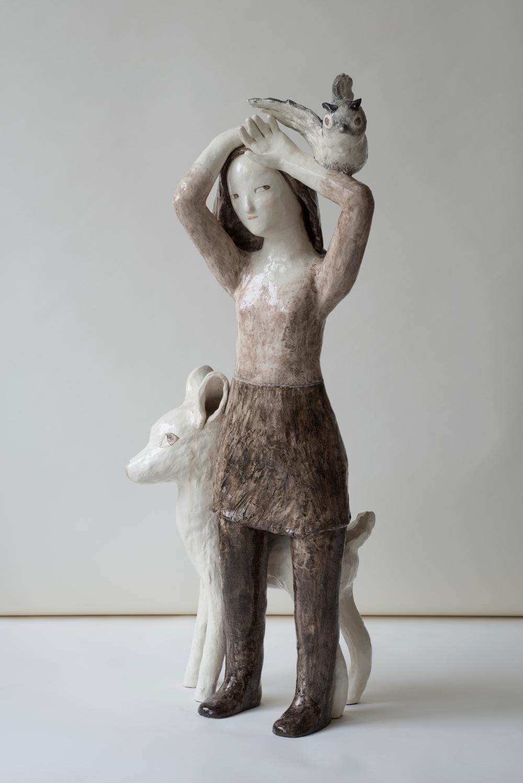 """Hier handelt es sich um die Keramik-Skluptur """"Le présage"""" von der Künstlerin Clémentine de Chabaneix."""