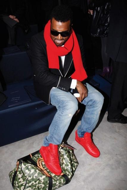 Kanye West in selbst kreierten Turnschuhen für Louis Vuitton während der Louis Vuitton Herbst/Winter 2019 Show in Paris.